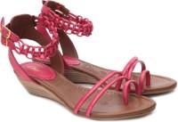 Clarks Shavi Frizz Wedges: Sandal