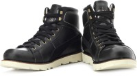 Puma Sneakers: Shoe