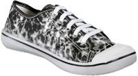 Yepme Canvas Shoes: Shoe